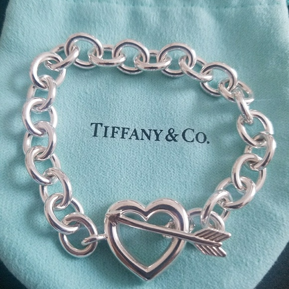 409cd50c675d1 Discontinued Tiffany&Co. Heart and Arrow Bracelet
